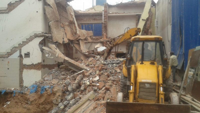 Top benefits of finding and hiring quality demolition services